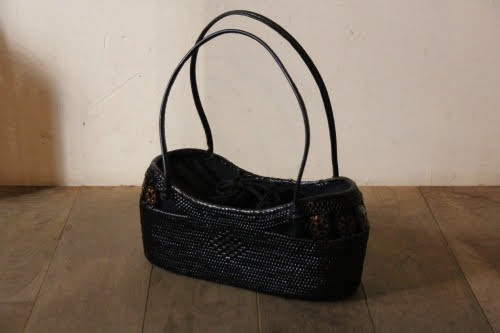 アタのレザーハンドルかごバッグの黒