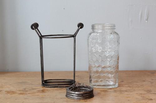 ガラスとアイアンの蓋付きフラワーベース