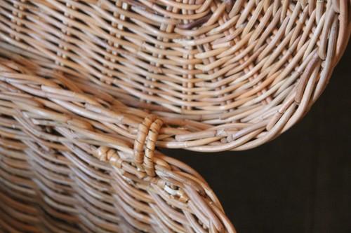皮付き籐のフタ付きオーバルかごバッグ