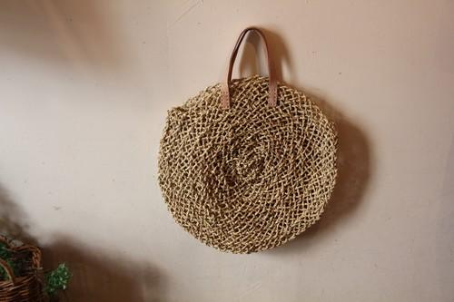 レザーハンドルの水草透かし編みサークルかごバッグ
