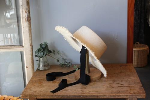 グログランリボンとラフィアのカンカン帽