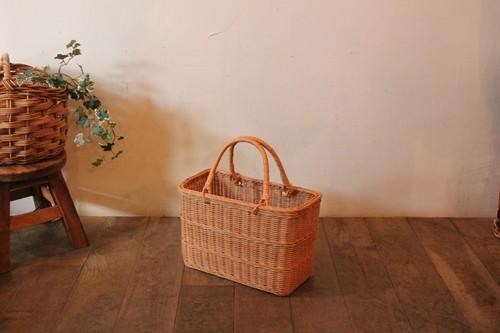ラタンの籐編み角型かごバッグ