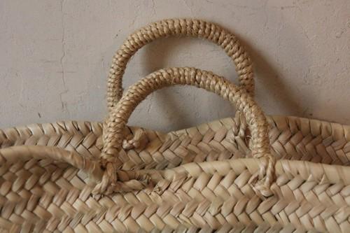 サイザル麻ハンドルのタザ椰子かごバッグ