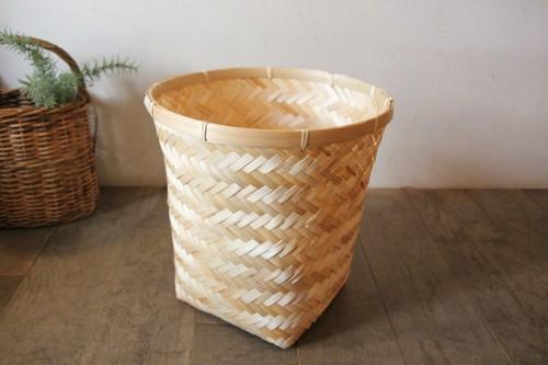竹のくずかご