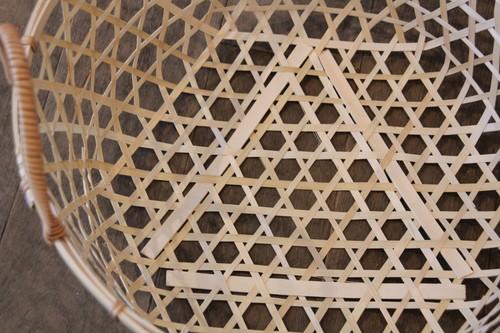 竹の手付き六つ目かご