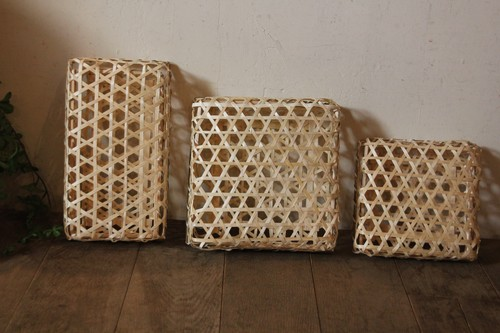 竹のフタ付き六つ目四角かご
