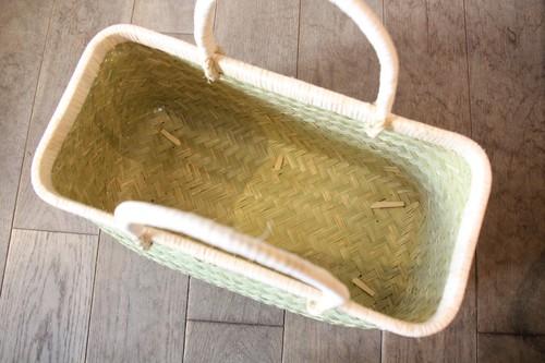 青竹の市場かご