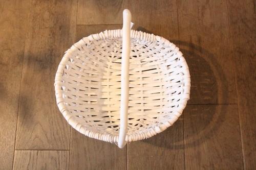 白塗り柳のワンハンドルバスケット