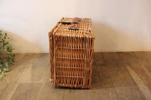 柳のピクニックバスケットトランクタイプ