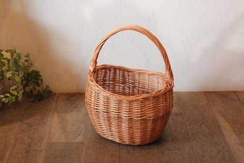 柳のワンハンドル三つ編みバスケット