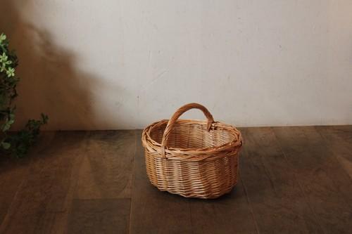 柳のワンハンドルバスケット
