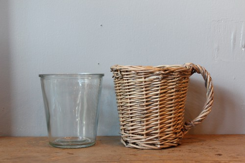 柳とガラスのカップ型フラワーベース
