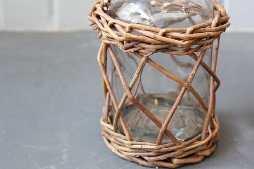 柳とガラスのミニボトルフラワーベース