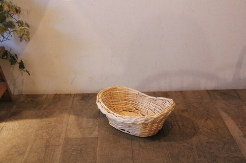 柳の三つ編みラインオーバルかご