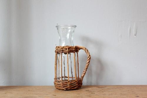 柳とガラスのジャグ型スリムフラワーベース