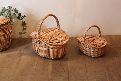 柳のピクニックバスケット