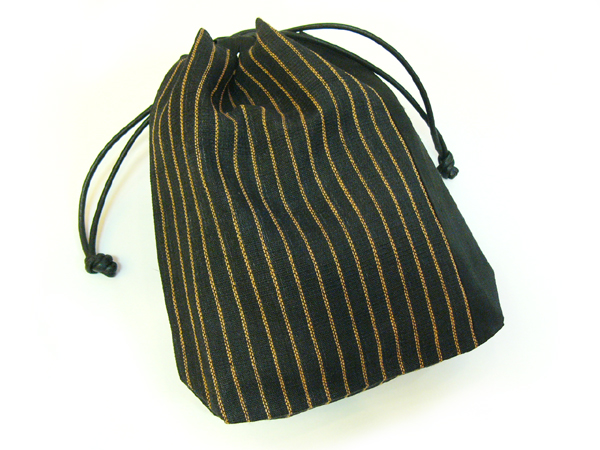 手織麻布「縞巾着」黒