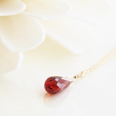 【送料無料】 K18 Dorothy Garnet pendant necklace (ドロシーガーネットペンダントネックレス)