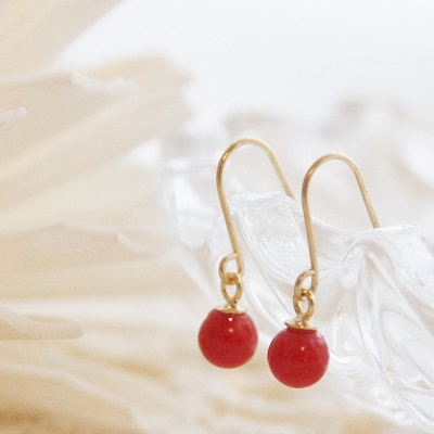 【送料無料】 K18 Rouge red coral hook piierce (ルージュ レッド サンゴ フック ピアス)