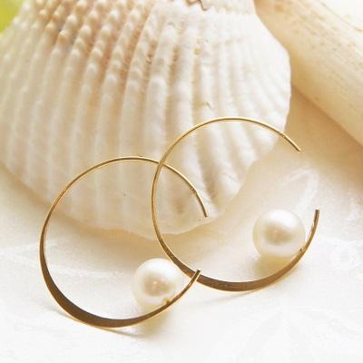 【送料無料】 K18 Mermaid moon akoya pearl hoop pierce (マーメイドムーン あこや 真珠 フープ ピアス)