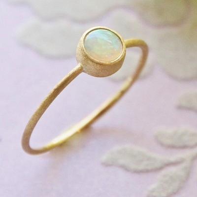 【送料無料】 K18 Onlry one Opal ring  (オンリーワン オパール リング)