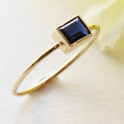 【送料無料】 K18 Only one Sapphire ring/0.400ct  (オンリーワン サファイア リング / 0.400ct)