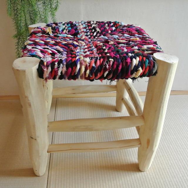 木椅子 座面カラフル