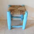 オレンジの木の椅子
