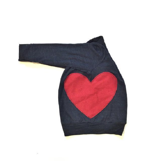 ハートの刺繍付♪クルーネック♪可愛いくておもしろい海外デザイン♪