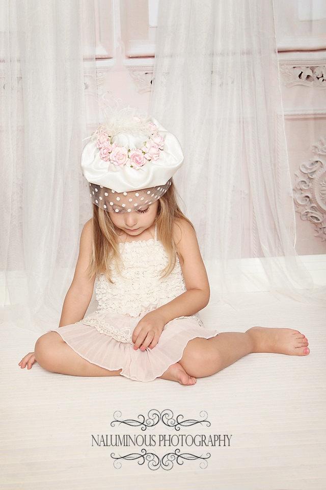 ピンクの薔薇咲く☆サテンと水玉ベールのドレスアップハット