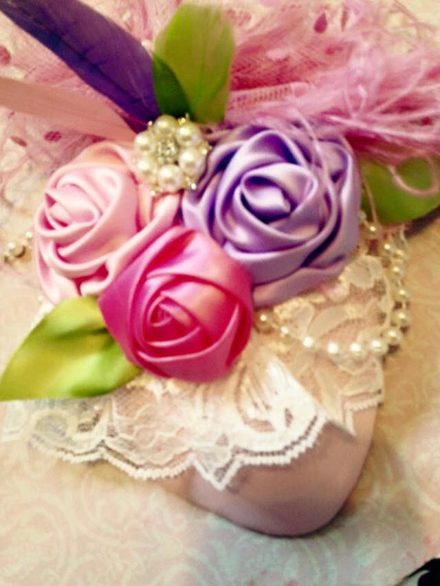カラフル薔薇咲く☆パステルカラーの巻き薔薇とフェザーのティアドロップハット
