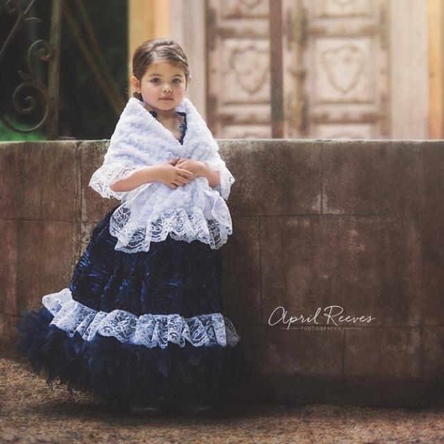 2e5c970a69912 アフィーナ~フェザードレスとショール「Afina - Girl Feather Dress and shawl」1歳から6歳