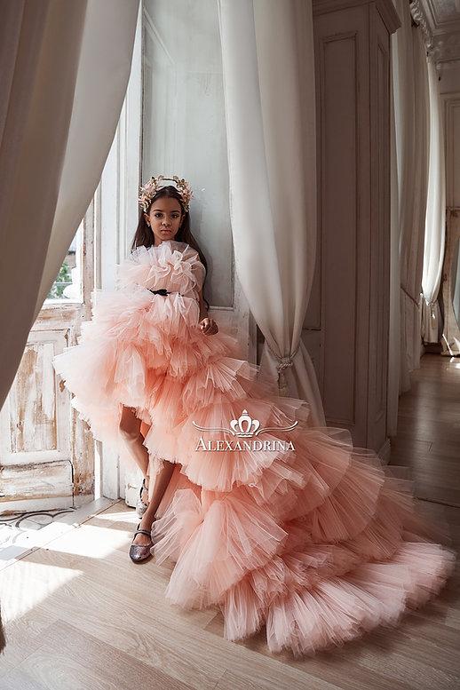 ピンクチュールロングドレス&ブラックリボン