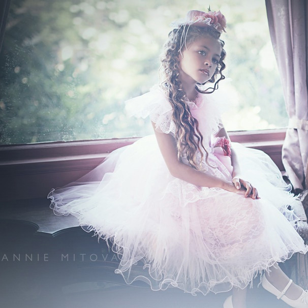 ~アナベル~ オーストリッチフェザードレス「『Annabelle』 Girls Ostrich Feather Dress」1歳から12歳