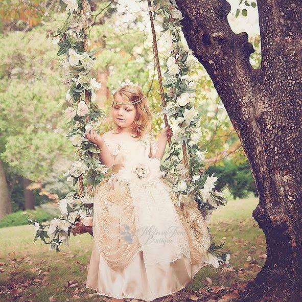きらめくシャンパン色のドレス「Champagne and Sparkle Girls Dress」1歳から12歳