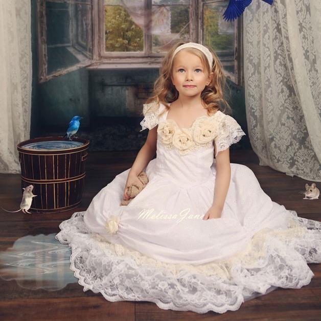 シンデレラのようなプリンセスドレス「Devine Cinderella Inspired Princess Dress」3歳から8歳