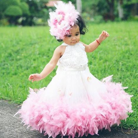 クラシックなふわふわフェザーロゼットドレス「Classic Fluffy Feather Rosette Dress」1歳から5歳