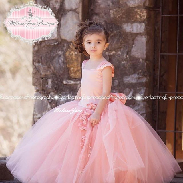 神聖で優雅な桃色のチュールドレス「Divine Peach Exquisite Tulle Skirt Flower Girl Dress」1歳から6歳