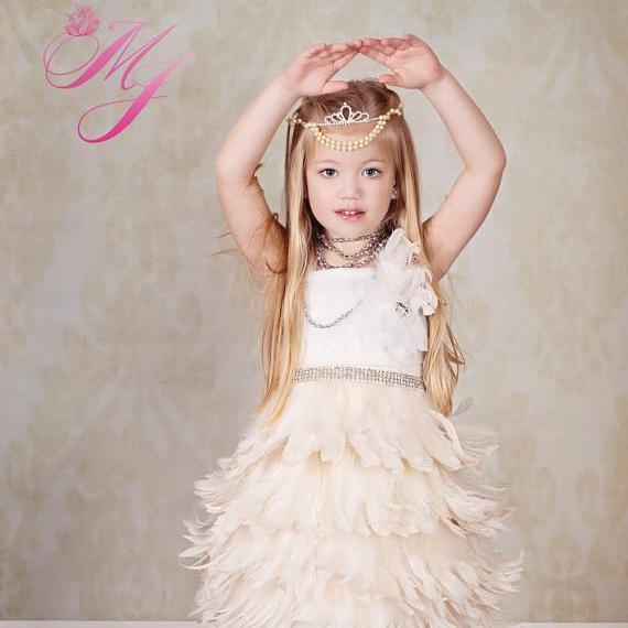 ふわふわフェザーエプロンドレス「Ethereal Elegance Girls Feather Apron Dress」1歳から14歳