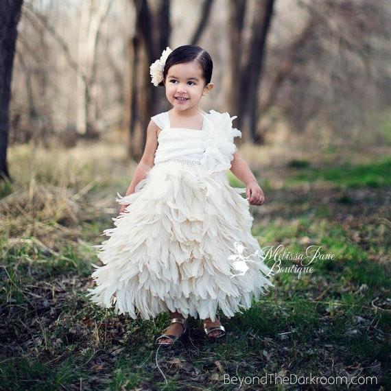 ラグジュアリーフェザードレス「Exquisite Elegant Luxury Girls Feather Dress」1歳から10歳