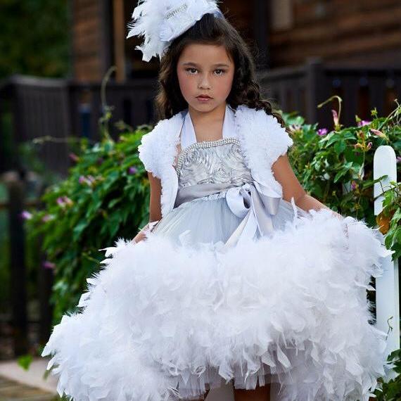 とても優雅なフェザードレス「Extreme Elegance Girls Stunning Feather Dress」1歳から10歳