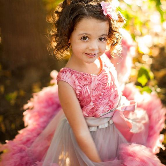 フェザーディライト ロゼットドレス「Feather Delight Girls Rosette Dress」1歳から6歳