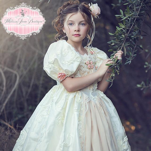 雲の上のプリンセスドレス「Floating on a Cloud - Princess Gown Girls Dress」1歳から9歳
