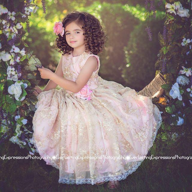 ゴールデンピンクの神聖なドレス「Golden Pink Divine Flower Girl Dress」1歳から10歳