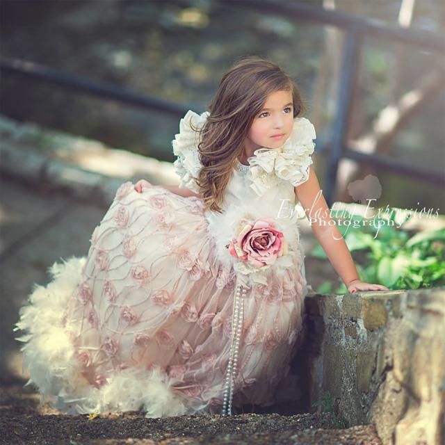 永遠のマイサンシャイン~フェザードレス「My Sunshine Forever - Feather Flower Girl Dress」1歳から14歳
