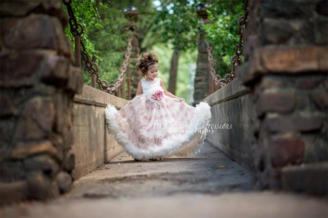 fc59531ea5c 永遠のマイサンシャイン~フェザードレス「My Sunshine Forever - Feather Flower Girl Dress」1歳 ...