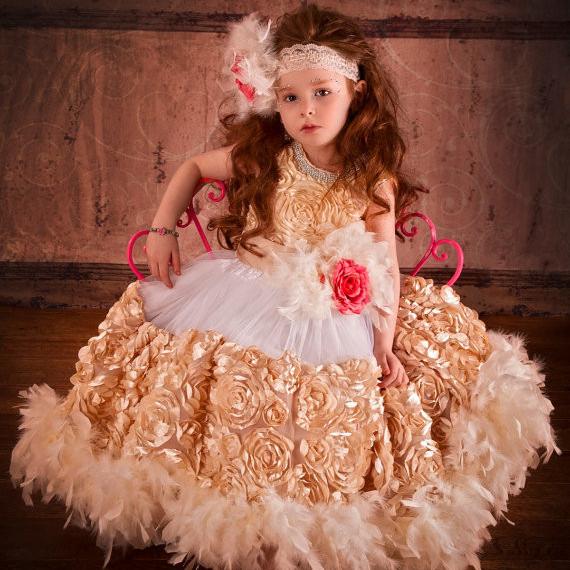 永遠の薔薇の花びらのドレス「Petal Roses Forever Flower Girl Dress」1歳から6歳