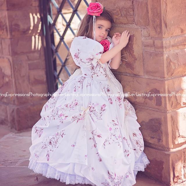 かわいいヴィンテージフラワードレス「Pretty Floral Vintage Flower Girl Dress」3歳から9歳