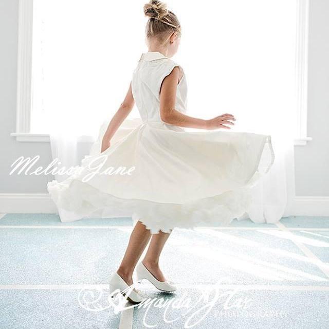 シルクデュピオニのフレアヴィンテージドレス「Stylist Flared Silk Dupioni Vintage Girls Dress」6歳から14歳