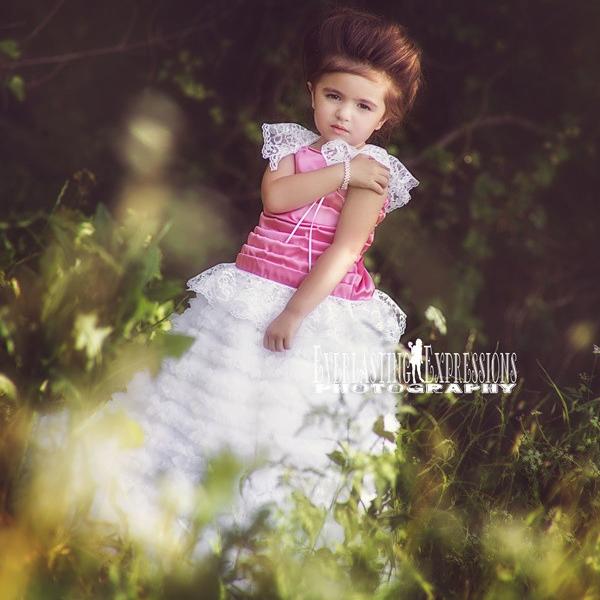 甘いフリルのフラワードレス「Sweet Ruffles Flower Girl Dress」1歳から5歳